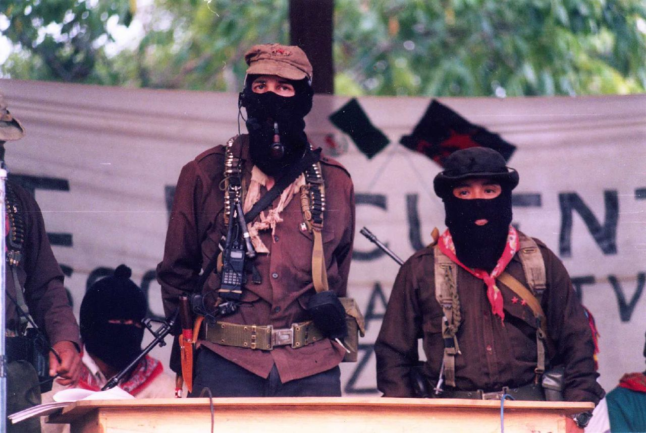 a history of the war between the zapatistas and mexico A brief history of the rebellion in chiapas in the jungles of mexico, where hundreds of thousands of people rose up against the mexican state and organised.